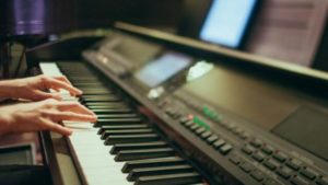 get an affordable keyboard piano